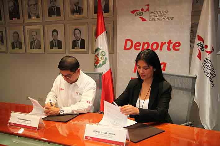 La firma del acuerdo por el bien del deporte