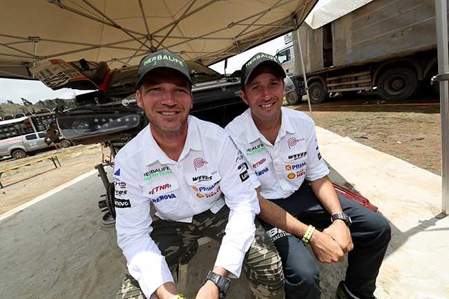 Nicolás Fuchs y su copilto Fernando Mussano. FOTO: ITEA Photo.
