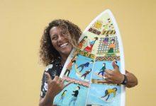 [SURF] Analí Gómez recibió una tabla personalizada inspirada en su vida