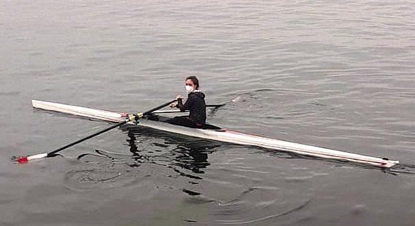 [REMO] Bogas del Club Universitario de Regatas fueron los primeros en retomar entrenamientos en el mar